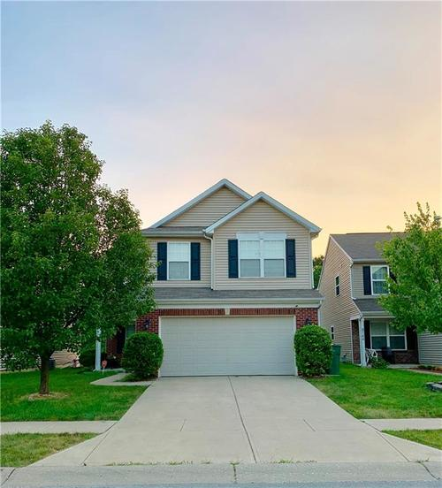 8140 CARINA Drive Indianapolis IN 46268 | MLS 21653031 | photo 1