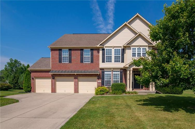 926 S Raylee Garden Drive New Palestine, IN 46163 | MLS 21653035 | photo 1