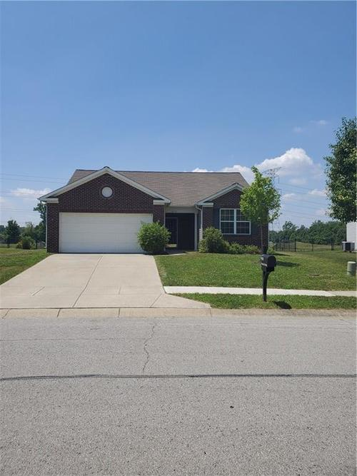 5416  Brassie Drive Indianapolis, IN 46235 | MLS 21653050