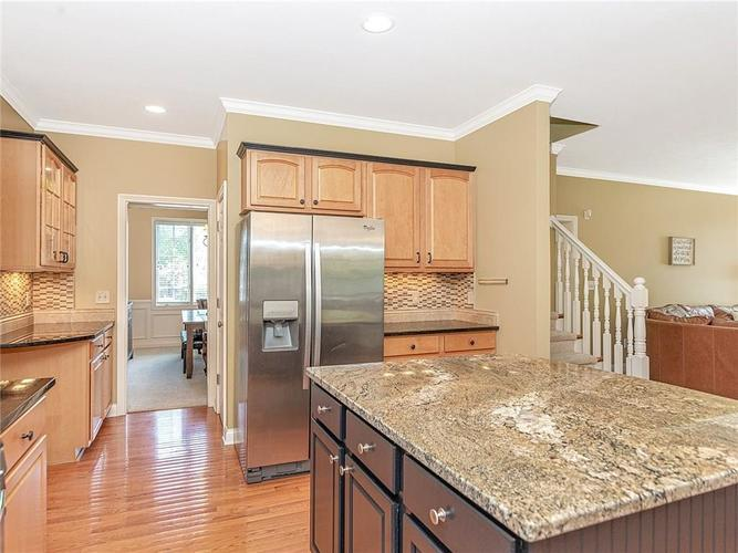 9816 NORTHWIND Drive Indianapolis, IN 46256 | MLS 21653087 | photo 10