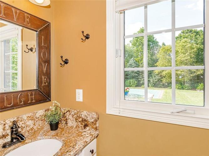 9816 NORTHWIND Drive Indianapolis, IN 46256 | MLS 21653087 | photo 18