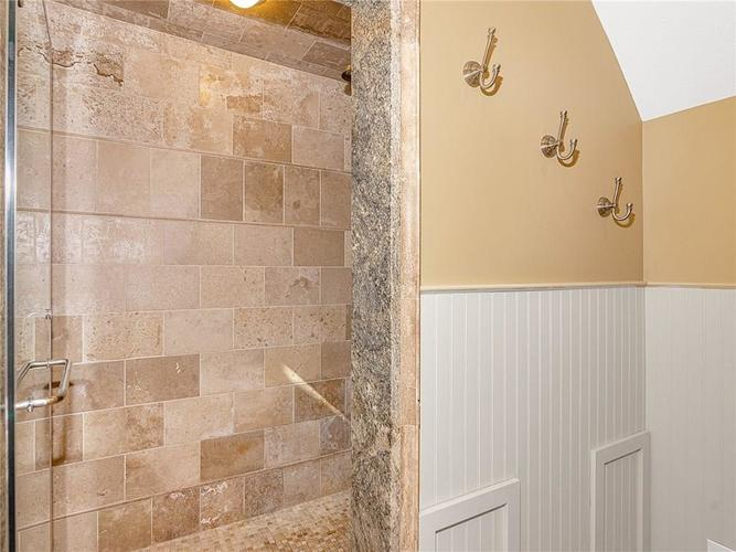 9816 NORTHWIND Drive Indianapolis, IN 46256 | MLS 21653087 | photo 25