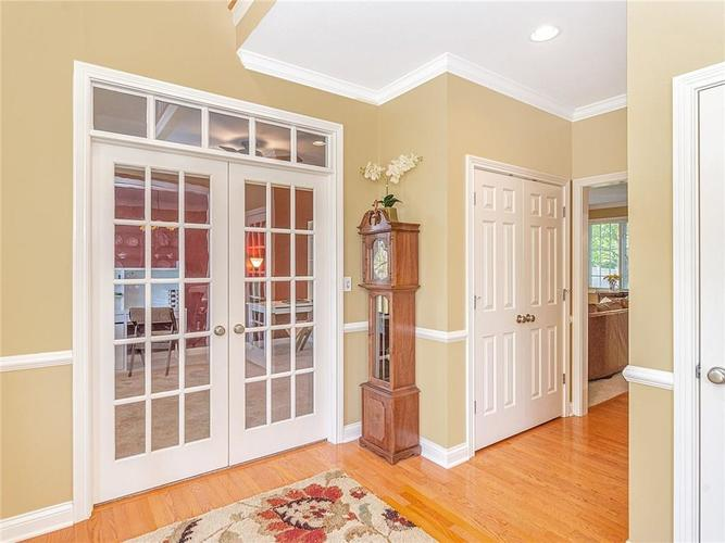 9816 NORTHWIND Drive Indianapolis, IN 46256 | MLS 21653087 | photo 5