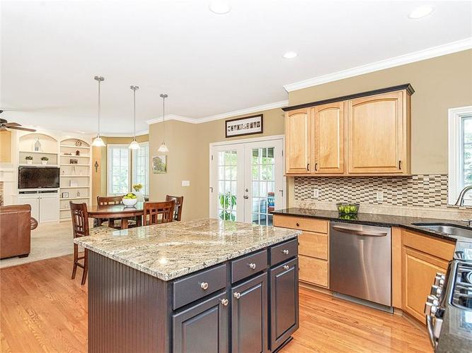 9816 NORTHWIND Drive Indianapolis, IN 46256 | MLS 21653087 | photo 8