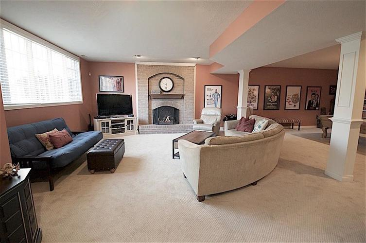 13010 CRICKLEWOOD Court Carmel, IN 46033 | MLS 21653126 | photo 16