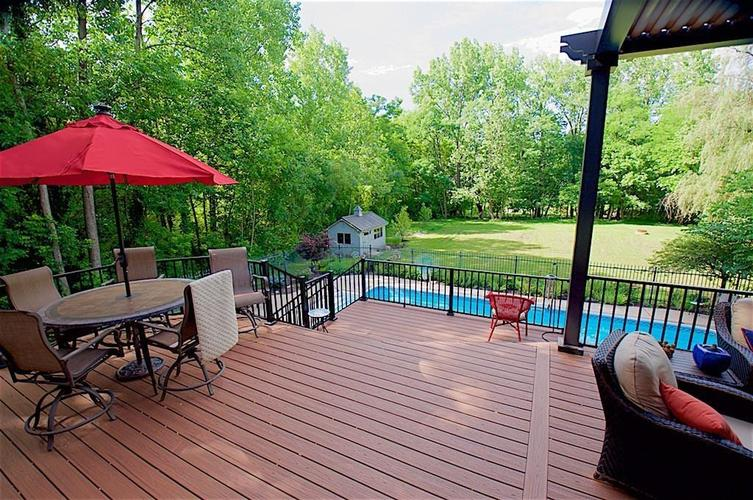 13010 CRICKLEWOOD Court Carmel, IN 46033 | MLS 21653126 | photo 2