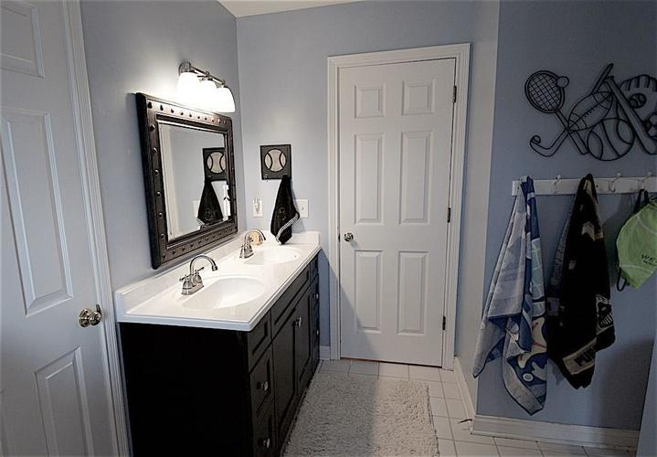 13010 CRICKLEWOOD Court Carmel, IN 46033 | MLS 21653126 | photo 25