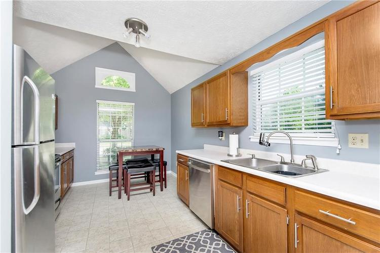 6585 DISCOVERY Drive S Indianapolis, IN 46250 | MLS 21653383 | photo 11