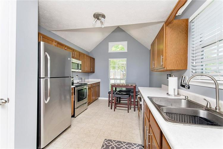 6585 DISCOVERY Drive S Indianapolis, IN 46250 | MLS 21653383 | photo 12