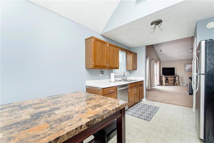 6585 DISCOVERY Drive S Indianapolis, IN 46250 | MLS 21653383 | photo 16