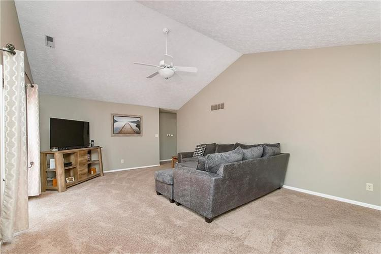 6585 DISCOVERY Drive S Indianapolis, IN 46250 | MLS 21653383 | photo 6