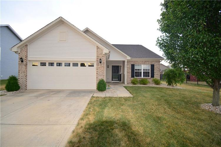 2887 Armaugh Drive Brownsburg, IN 46112 | MLS 21653415 | photo 2