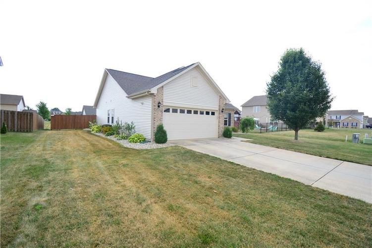2887 Armaugh Drive Brownsburg, IN 46112 | MLS 21653415 | photo 4