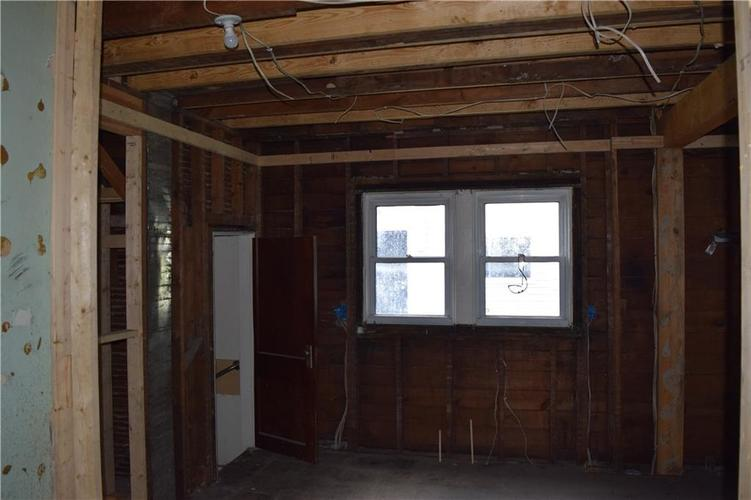 5004 E New York Street Indianapolis, IN 46201 | MLS 21653423 | photo 7