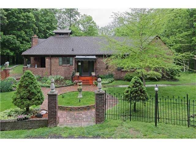7300 N SARGENT Road Indianapolis, IN 46256 | MLS 21653460 | photo 2