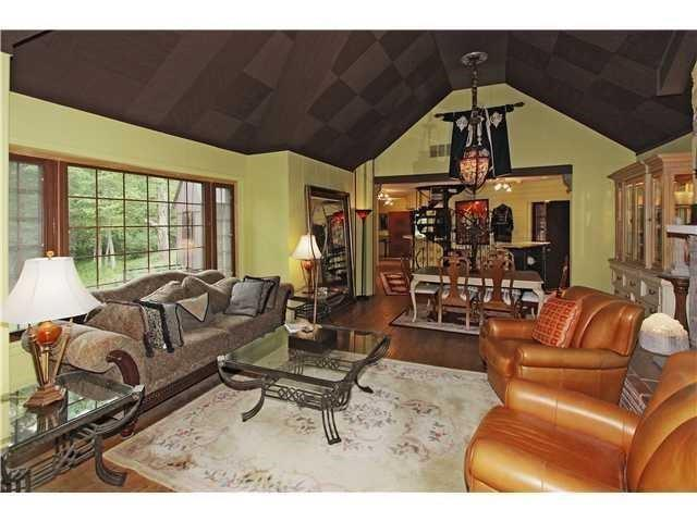 7300 N SARGENT Road Indianapolis, IN 46256 | MLS 21653460 | photo 5