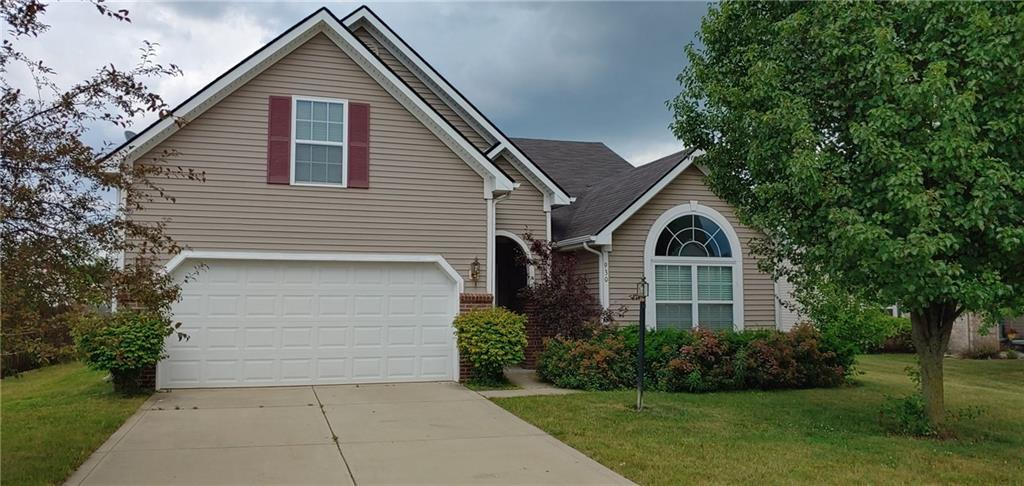 930  Nature Lake Circle Brownsburg, IN 46112 | MLS 21653476