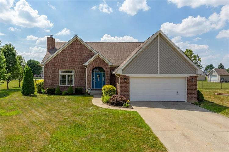 5964 W Countryside Court New Palestine IN 46163 | MLS 21653496 | photo 1