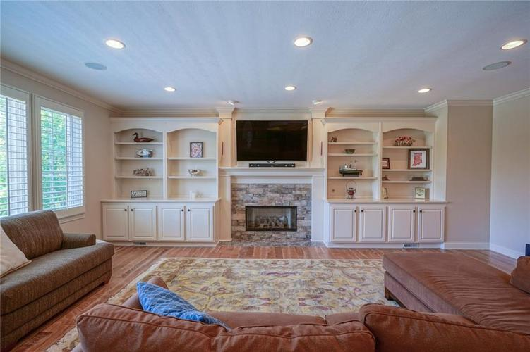 7680 St. Lawrence Court Zionsville, IN 46077 | MLS 21653511 | photo 16