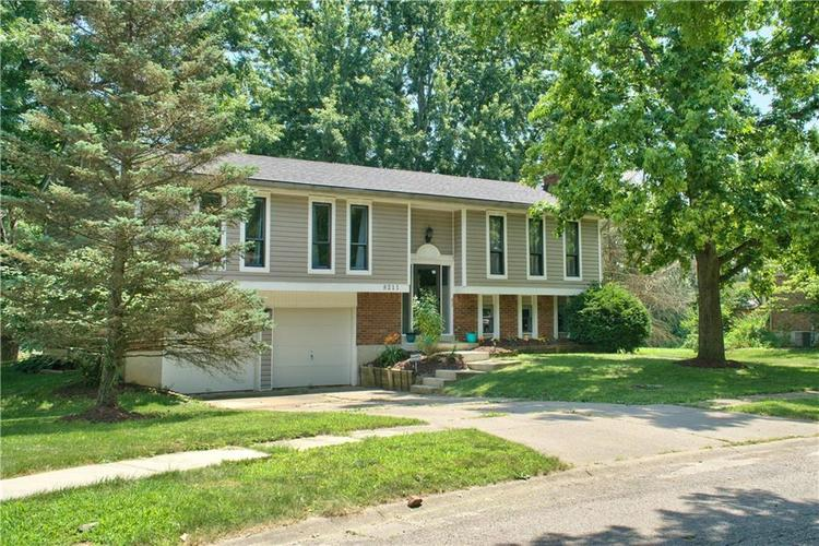 8211 PICADILLY Lane Indianapolis, IN 46256 | MLS 21653512 | photo 1