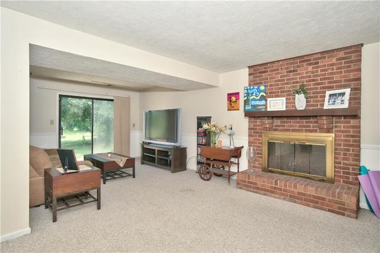 8211 PICADILLY Lane Indianapolis, IN 46256 | MLS 21653512 | photo 16