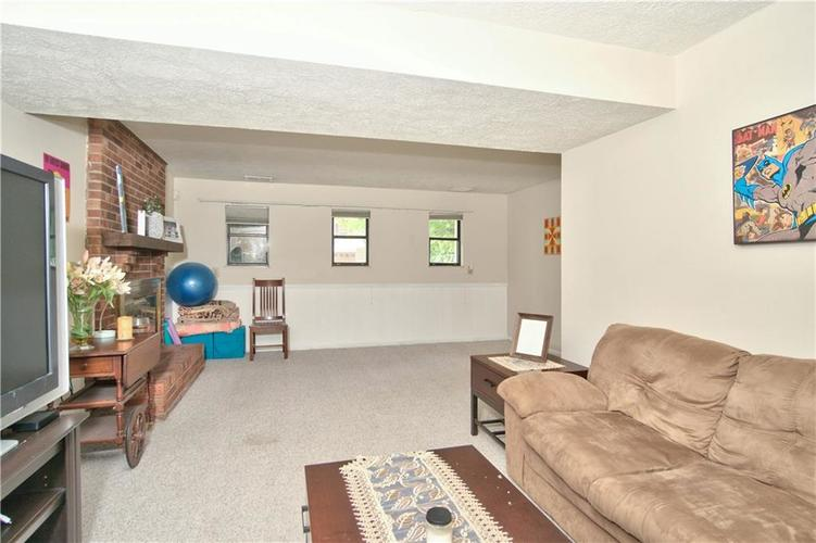 8211 PICADILLY Lane Indianapolis, IN 46256 | MLS 21653512 | photo 18