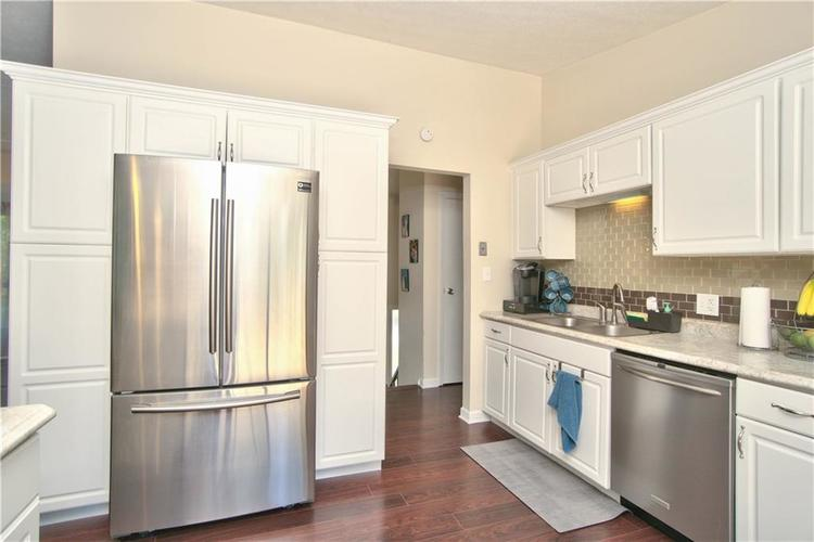 8211 PICADILLY Lane Indianapolis, IN 46256 | MLS 21653512 | photo 22