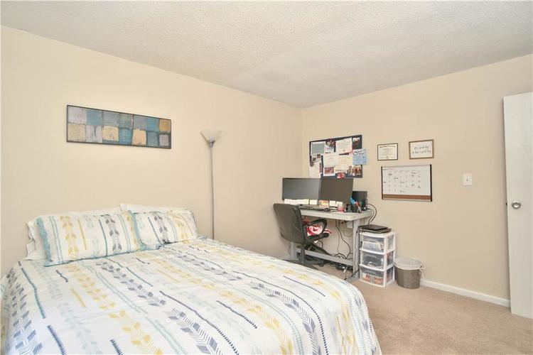 8211 PICADILLY Lane Indianapolis, IN 46256 | MLS 21653512 | photo 24