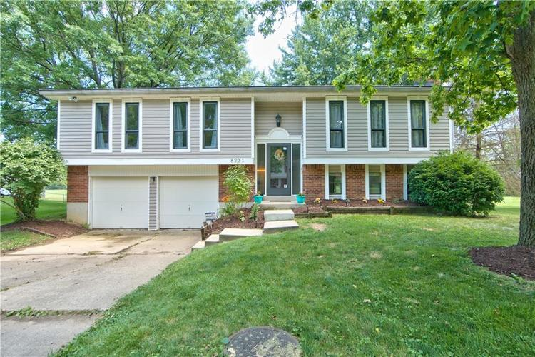 8211 PICADILLY Lane Indianapolis, IN 46256 | MLS 21653512 | photo 30