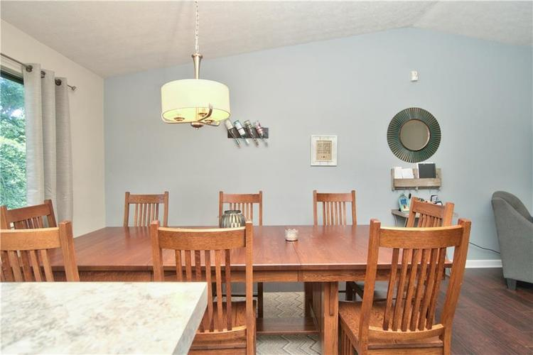 8211 PICADILLY Lane Indianapolis, IN 46256 | MLS 21653512 | photo 5