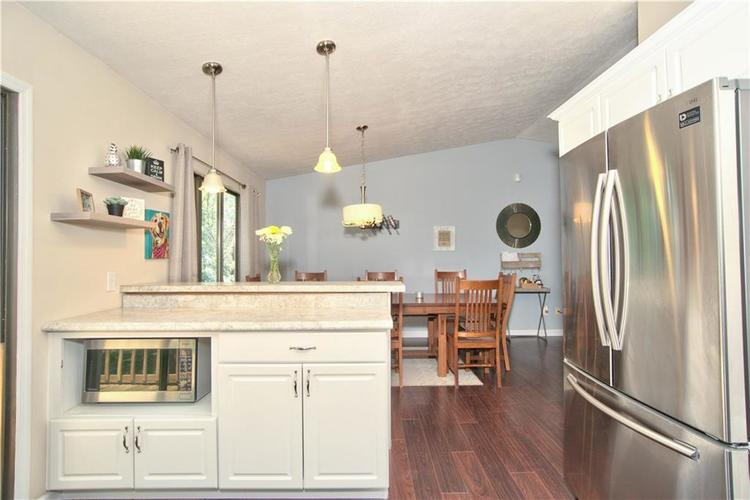 8211 PICADILLY Lane Indianapolis, IN 46256 | MLS 21653512 | photo 7