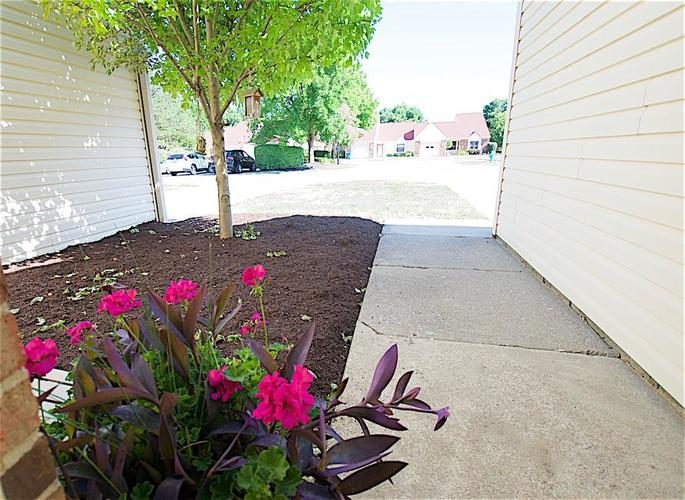 5457 HAPPY HOLLOW #Bldg A Indianapolis, IN 46268 | MLS 21653559 | photo 20