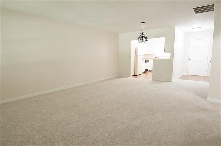 5457 HAPPY HOLLOW #Bldg A Indianapolis, IN 46268 | MLS 21653559 | photo 5