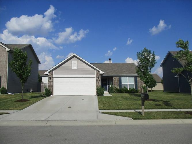 15168 Silver Charm Drive Noblesville, IN 46060   MLS 21653632   photo 1