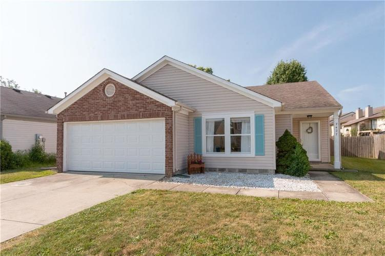 7427 REDCLIFF Road Indianapolis, IN 46256 | MLS 21653682 | photo 1