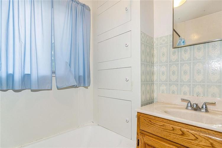 6390 E 42nd Street Indianapolis, IN 46226 | MLS 21653771 | photo 18