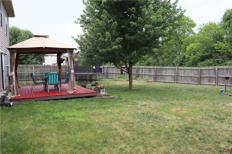8040 Red Barn Circle Indianapolis, IN 46239 | MLS 21653795 | photo 14