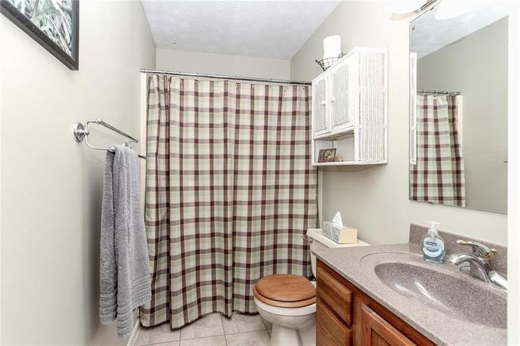 6523 Pikeview Court Indianapolis, IN 46268 | MLS 21653816 | photo 14