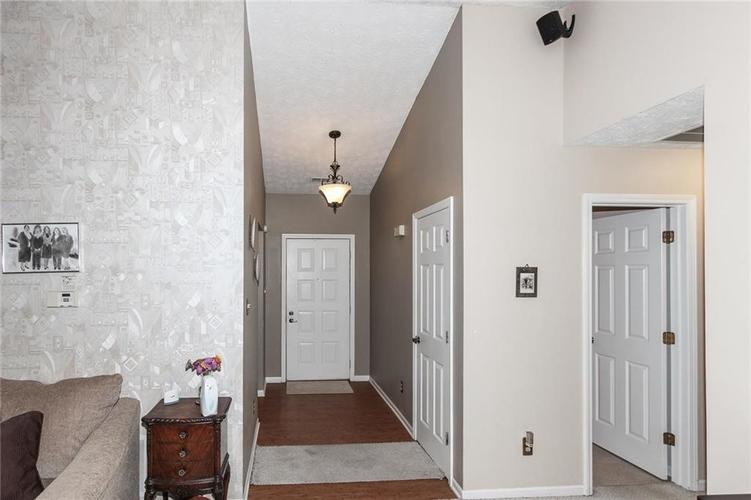 6523 Pikeview Court Indianapolis, IN 46268 | MLS 21653816 | photo 4