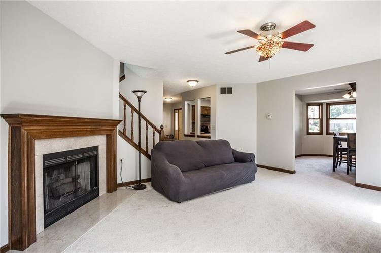 5433 N Meadow Drive Indianapolis, IN 46268 | MLS 21653912 | photo 16