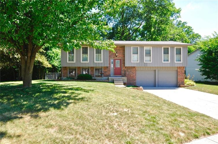 4124 OIL CREEK Drive Indianapolis, IN 46268 | MLS 21653923 | photo 1
