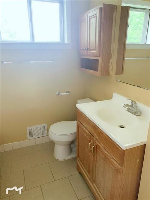 6130 E 43rd Place Indianapolis, IN 46226 | MLS 21653926 | photo 13