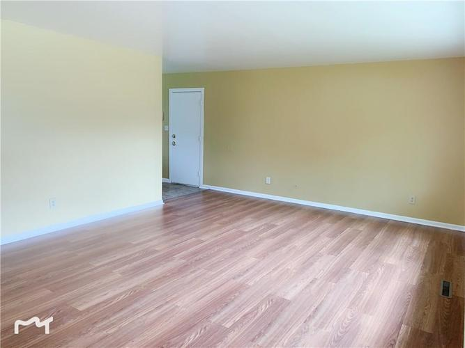 6130 E 43rd Place Indianapolis, IN 46226 | MLS 21653926 | photo 3