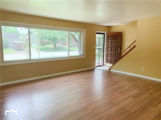 6130 E 43rd Place Indianapolis, IN 46226 | MLS 21653926 | photo 4