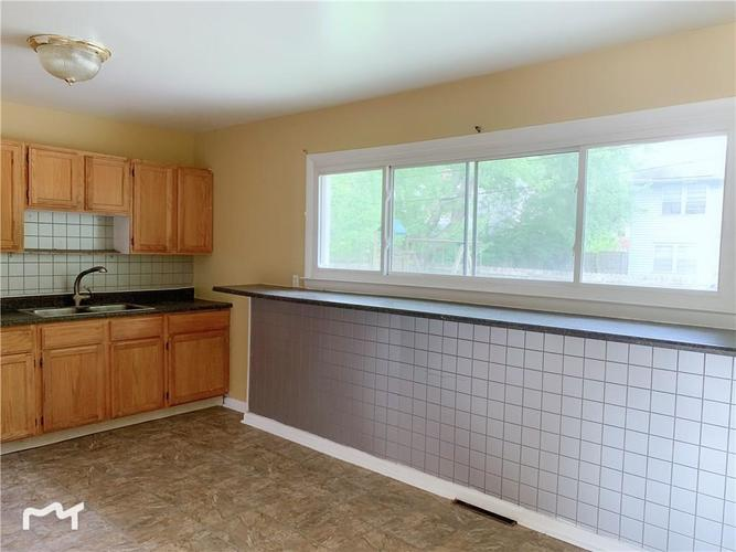 6130 E 43rd Place Indianapolis, IN 46226 | MLS 21653926 | photo 6