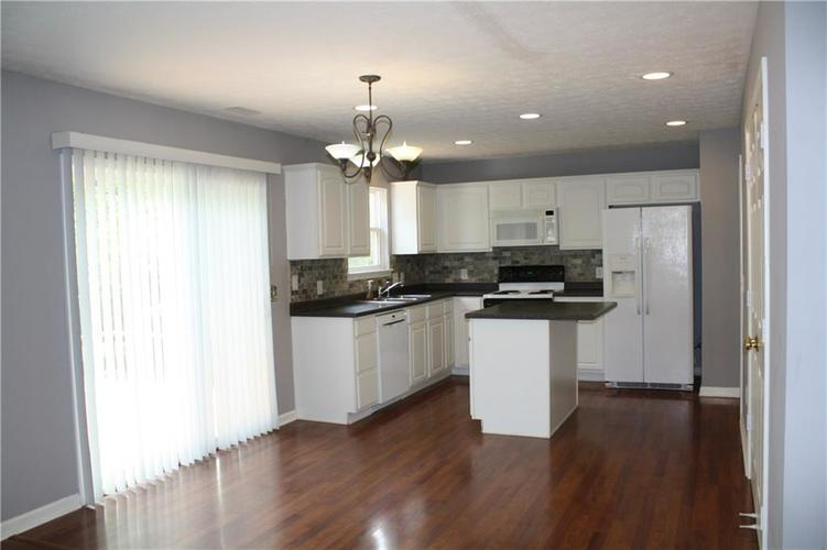 10321 Gladeview Drive Indianapolis, IN 46239   MLS 21653950   photo 12