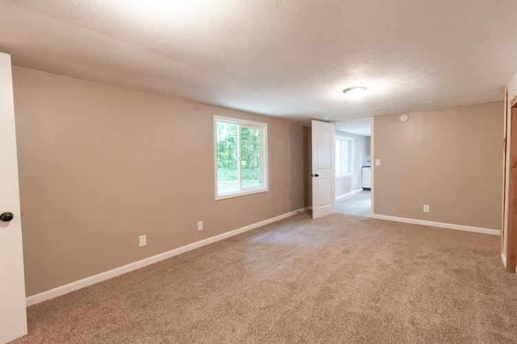 2740 W CR 500 N North Vernon, IN 47265 | MLS 21653999 | photo 11