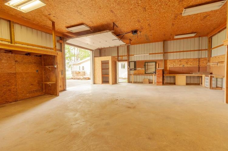2740 W CR 500 N North Vernon, IN 47265 | MLS 21653999 | photo 4