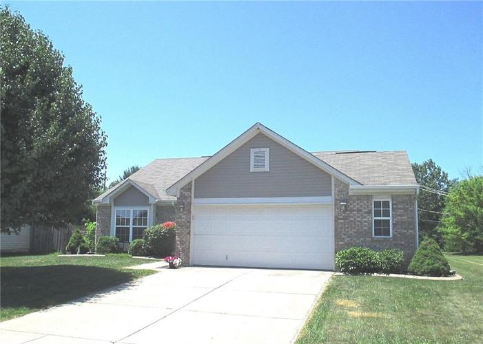 1862 Westport Drive Avon, IN 46123 | MLS 21654012 | photo 1