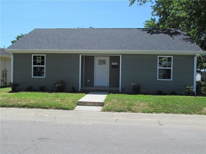 913 W Oak Street Seymour, IN 47274 | MLS 21654078 | photo 1